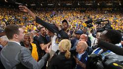 Kevin Durant saat selebrasi.