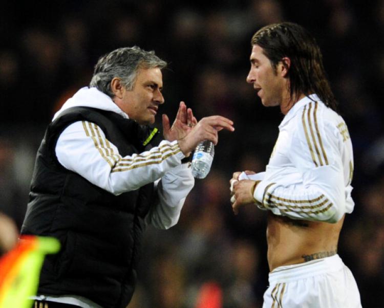 Sergio Ramos (kanan) dan Jose Mourinho saat masih melatih Real Madrid. Copyright: