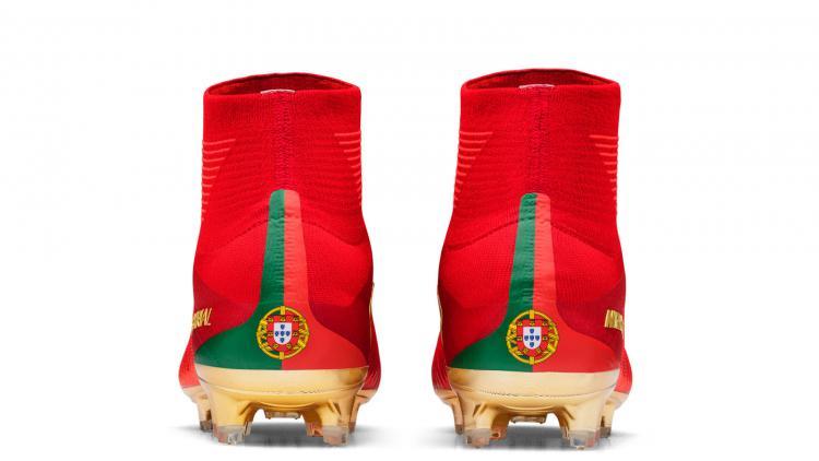 Sepatu Spesial Ronaldo. Copyright: Nike