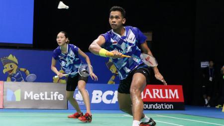 Edi Subaktiar/Gloria Emmanuelle Widjaja saat tampil di babak pertama Indonesia Open 2017 lalu. - INDOSPORT
