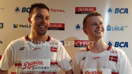 Anders Skaarup Rasmussen (kiri) bersama pasangan bermainnya, Kim Astrup. Lanjar Wirartri/Indosport.com. - INDOSPORT