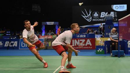 Astrup/Rasmussen  saat bertanding di babak pertama Indonesia Open 2017.