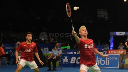 Kevin Sanjaya/Marcus Gideon saat bertanding di babak pertama Indonesia Open 2017.