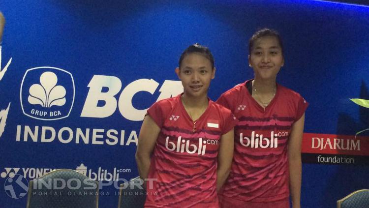 Della Destiara Haris/Rosyita Eka Putri Sari seusai pertandingan. Copyright: Lanjar Wiratri/INDOSPORT