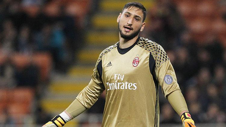 Gianluigi Donnarumma menolak tawaran kontrak bersama AC Milan. Copyright: INDOSPORT