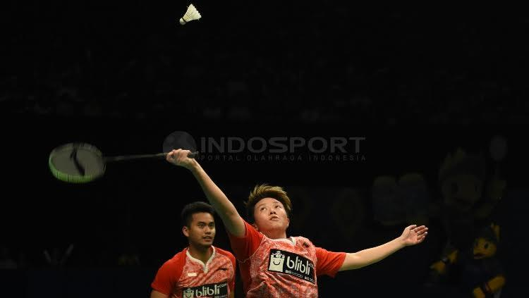 Tontowi Ahmad/Liliyana Natsir setelah berhasil menjadi juara Indonesia Open 2017. Copyright: Herry Ibrahim/Indosport.com