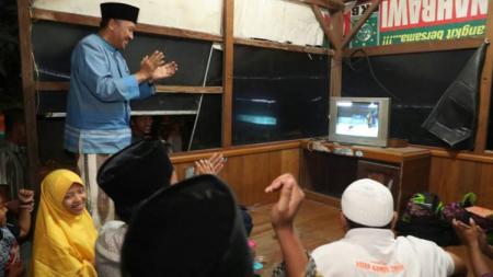 Menpora, Imam Nahrawi saat menyaksikan pertandingan Indonesia BCA Open 2017. - INDOSPORT