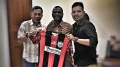 Indosport - Wanderley diperkenalkan Persipura Jayapura.