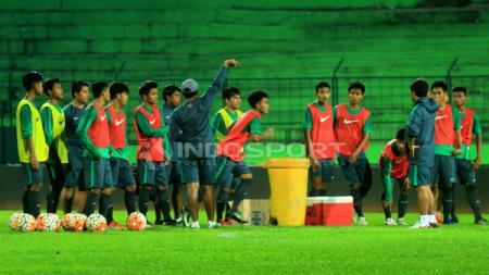 Timnas U-19 jalani latihan di Stadion Gajayana. - INDOSPORT