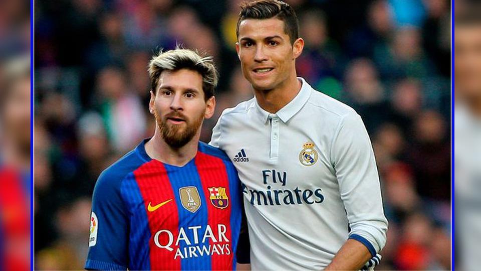 Pemain megabintang Barcelona, Lionel Messi (kiri) dan Cristiano Ronaldo, pemain megabintang Real Madrid. Copyright: Mirror