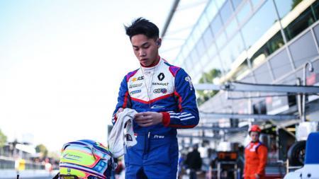Pembalap muda Indonesia yang berkompetisi di Formula Renault 2.0 Euro Cup, Presley Martono. - INDOSPORT