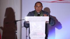 Indosport - Edy Rahmayadi memberikan pidato saat buka bersama.