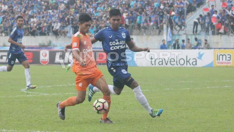 Duel antara PSIS Semarang melawan Sragen United di Stadion Jatidiri. Copyright: Arief Setiadi/INDOSPORT