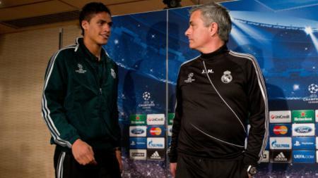 Raphael Varane dan Jose Mourinho, ketika masih melatih Real Madrid. - INDOSPORT