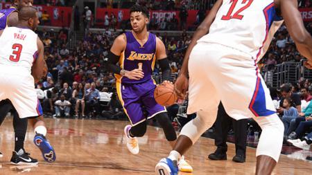 D'Angelo Russell (tengah) telah dilepas LA Lakers ke Brooklyn Nets. - INDOSPORT