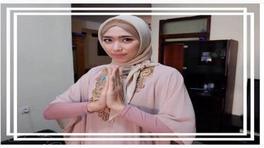 Tampila Yola saat mengenakan hijab. - INDOSPORT