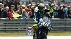 Valentino Rossi menang di MotoGP Belanda.