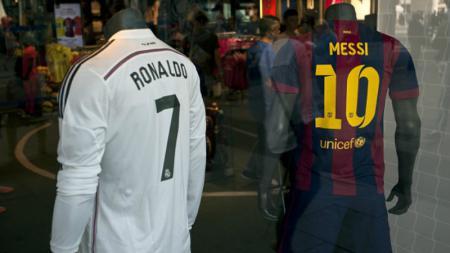 Jersey Ronaldo dan Messi. - INDOSPORT