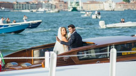 Alvaro Morata belum lama ini melakukan pernikahan dengan Alice Campello. - INDOSPORT