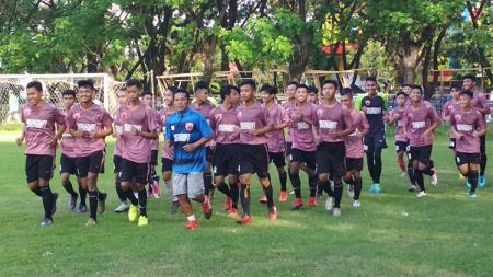 Latihan perdana para pemain PSM Makassar U-19. - INDOSPORT