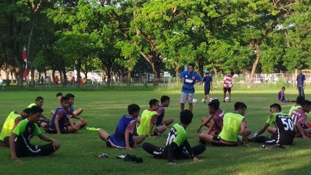 Pemain PSM Makassar U-19 sudah latihan kembali pasca libur lebaran. - INDOSPORT