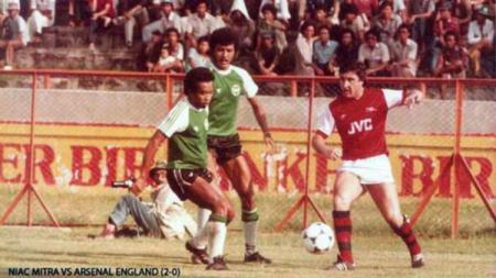 NIAC Mitra vs Arsenal digelar di Gelora 10 Nopember Tambaksari. - INDOSPORT