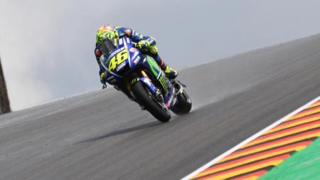 Rossi mendulang hasil mengecewakan di FP 1 dan 2 MotoGP Jerman. - INDOSPORT