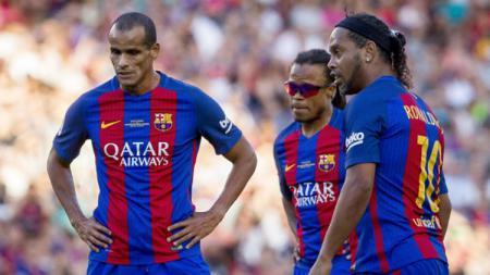 Edgar Davids (tengah) jadi salah satu pemain yang pernah memperkuat Barcelona dan Inter Milan. - INDOSPORT