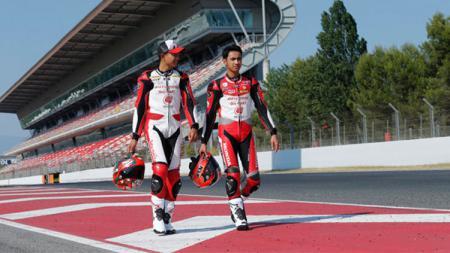 Dua pembalap Indonesia. - INDOSPORT