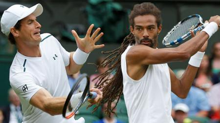 Andy Murray dan Dustin Brown. - INDOSPORT