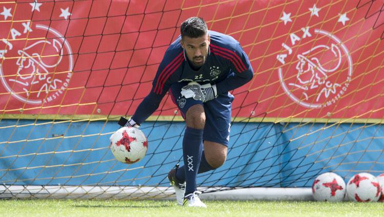 Benjamin van Leer saat jalani latihan bersama Ajax Amsterdam. Copyright: INDOSPORT