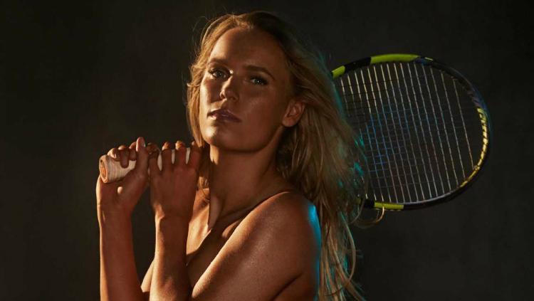 Caroline Wozniacki berpose telanjang dalam salah satu sesi pemotretan. Copyright: ESPN