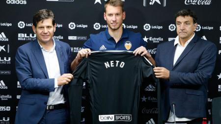Norberto Neto resmi bergabung dengan Valencia. - INDOSPORT