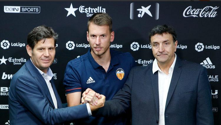 Neto akan dikontrak selama 4 musim di Valencia Copyright: Valenciacf.com