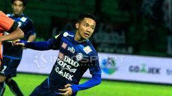 Dendi Santoso, salah satu bintang Arema FC yang mendapatkan tantangan dari Kratingdaeng.
