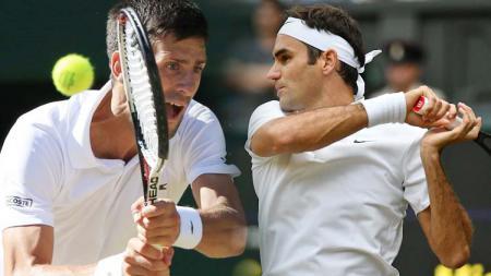 Novak Djokovic dan Roger Federer. - INDOSPORT