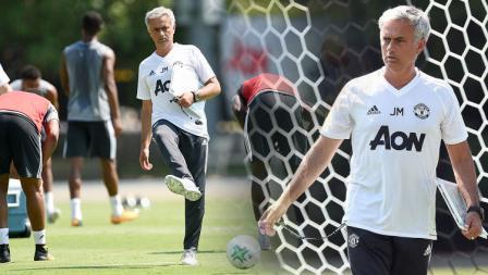Pelatih Man United, Jose Mourinho saat memimpin latihan.