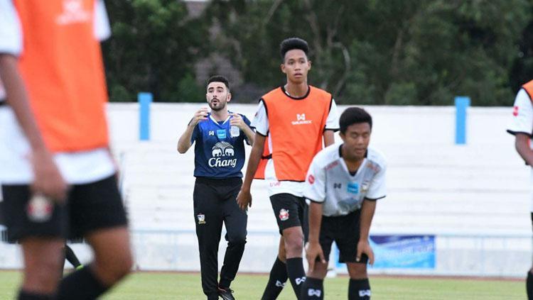 Salvador Valero Garcia memuji kualitas skuatnya saat bermain melawan Indonesia. Copyright: Twitter @SALVATOREVALERO