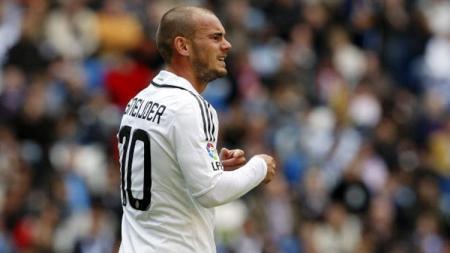 Mantan pemain sepak bola dari klub LaLiga Spanyol Real Madrid, Wesley Sneijder, mengatakan bahwa ia bisa saja selevel dengan Cristiano Ronaldo atau Lionel Messi. - INDOSPORT