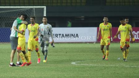 Selebrasi pemain Bhayangkara FC usai mengalahkan Madura United.