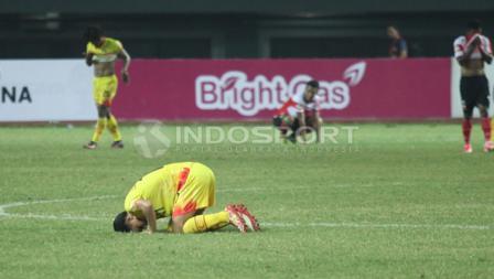 Sujud syukur para pemain Bhayangkara FC usai gasak Madura United