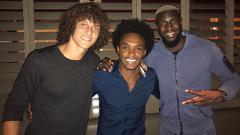 Indosport - Mantan pemain Chelsea yang kini bermain di Liga Super China, Oscar mengungkapkan bahwa dirinya sempat dibujuk David Luiz dan Willian untuk gabung Arsenal.