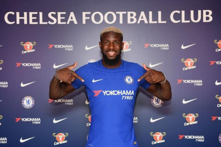 Tiemoue Bakayoko diikat kontrak oleh Chelsea selama 5 tahun. Copyright: Twitter Chelsea