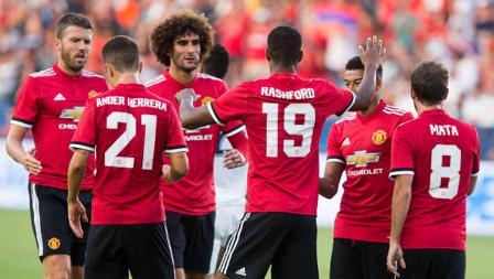 Selebrasi bersama pemain Manchester United.