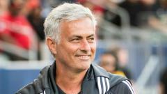 Indosport - Jose Mourinho kemungkinan besar tidak akan merapat ke klub Ligue 1 Prancis, Olympique Lyon. Shaun Clark/Getty Images.