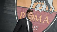 Indosport - Francesco Totti mengomentari laga Derbi ibukota antara AS Roma melawan Lzioa