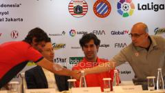 Indosport - Pelatih Persija Jakarta, Stefano Cugurra Teco dalam jumpa pers.