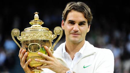 Roger Federer saat juara Wimbledon 2012. - INDOSPORT