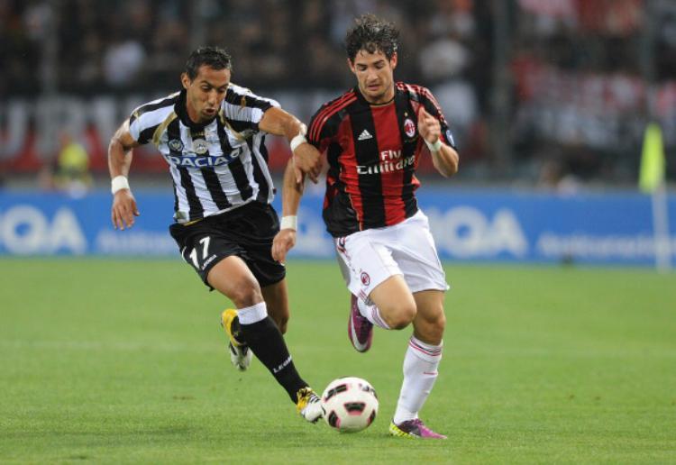 Alexandre Pato saat membela AC Milan. Copyright: Indosport