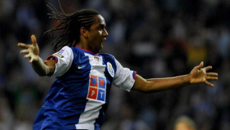Anderson Luis de Abreu Oliveira saat membela Porto. Copyright: Indosport